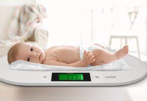 Luvion exact 75 babyweegschaal met baby