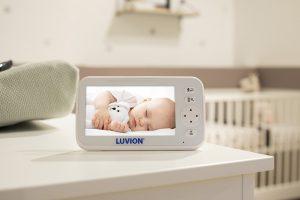 Luvion-Icon-Deluxe-White-monitor-sfeer01