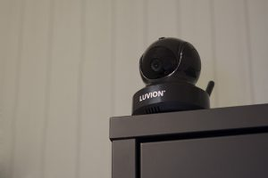 luvion-essential-black-edition-sfeer-camera-01